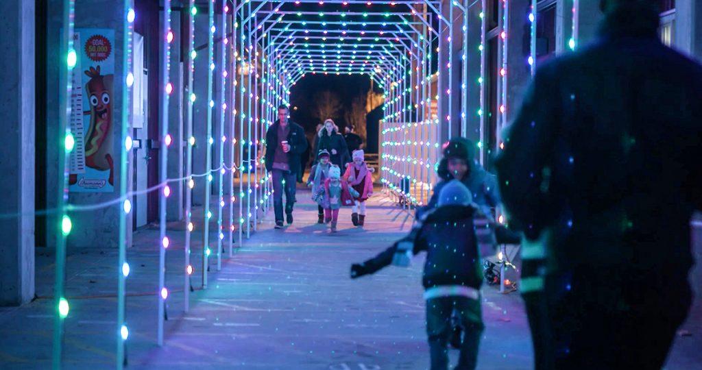 Christmas Light Show Near Me.Spectacular Christmas Light Show At Skylands Stadium